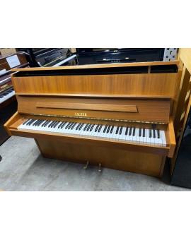 piano droit sauter